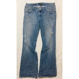 A.N.A. Women's Modern Fit Jeans Size 8P Distressed
